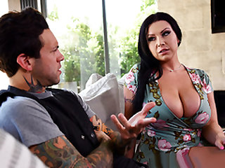 Brazzers – Nailing The Neighborhood Bully