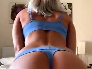 Blonde wife shows all